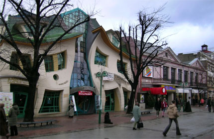 crooked-house-2