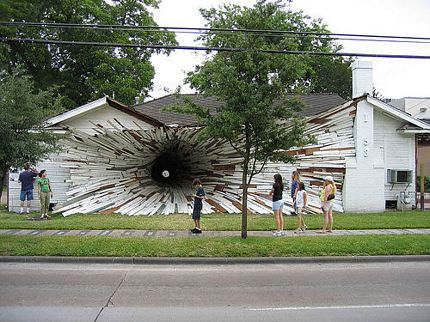 the-imploded-house-texas-2