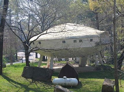 the-ufo-building-2